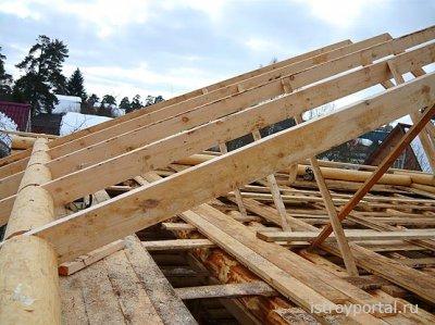 Вальмовая крыша для деревянного дома.