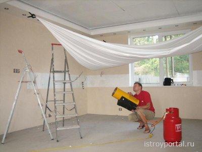 Работы по монтажу натяжных потолков