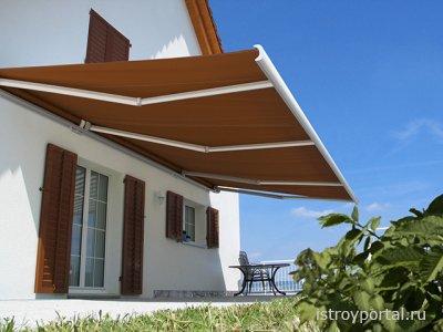 Маркизы - защита от солнца и уникальность внешности дома