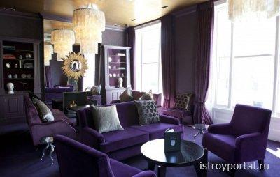Должна ли мебель подходить к обоям по цвету?