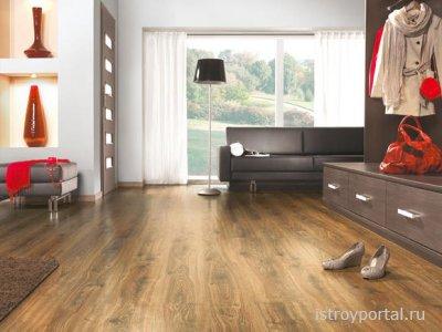 Ламинат в квартире очень хорошо смотрится