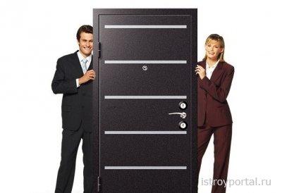 Какая разница между красивыми и практичными входными дверьми?