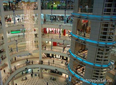 Площадь торговых центров страны достигает невероятных значений