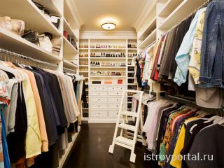 Как правильно рассчитать и оформить гардеробную комнату?