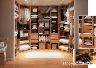 Как сделать гардеробную в небольшой спальне?