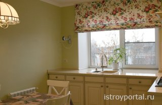Как сделать полезным кухонный подоконник?