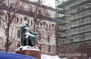 Москва: этапы реконструкции и реставрации исторических зданий