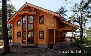 Почему большинство предпочитает строить дома из клееного бруса?
