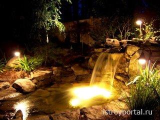 Оформление пруда или водопада светодиодными прожекторами